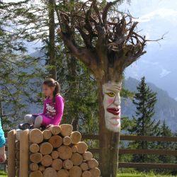 Holzbeige-Baumgeist