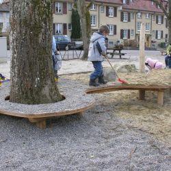 06-Sitzpodest-gross-mit-Baumausschnitt2