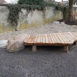 Sitzpodest-integrativ-Sandbereich