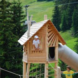 spielplatz-grindelwald-bort-BaumhausGrindelwald2