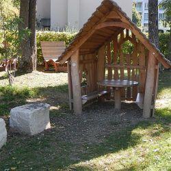 spielplatz-reinach-mischeli-elfenspielhaus