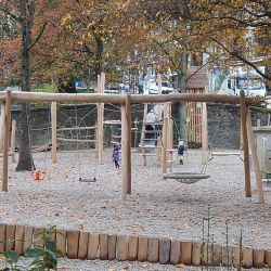 place-de-jeux-lausanne-place-du-nord-schaukelkombination