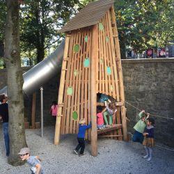 place-de-jeux-lausanne-place-du-nord-spielturm
