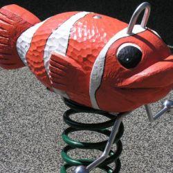 place-de-jeux-lausanne-riant-mont-federwippe-clownfisch