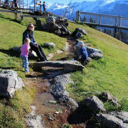 spielplatz-engelberg-ristis-Wasserlauf