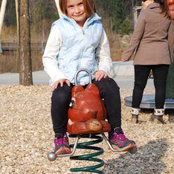 spielplatz-tierpark-goldau-Federwippe