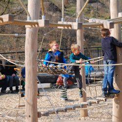 spielplatz-tierpark-goldau-Flaechennetz_3-eckig_mit_Netzrahmen1