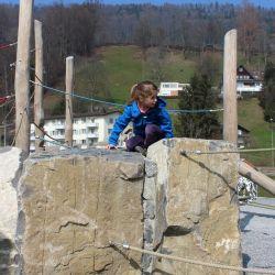 spielplatz-kriens-lu-klettersteine