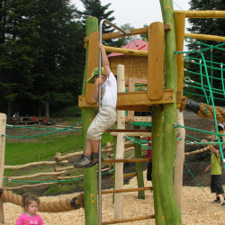 spielplatz-pilatus-krienseregg-kletterstange
