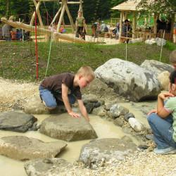 spielplatz-pilatus-krienseregg-wasserlauf