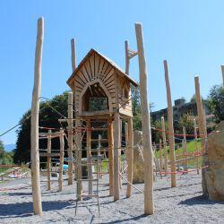 1-robinenenholz-baumhaus